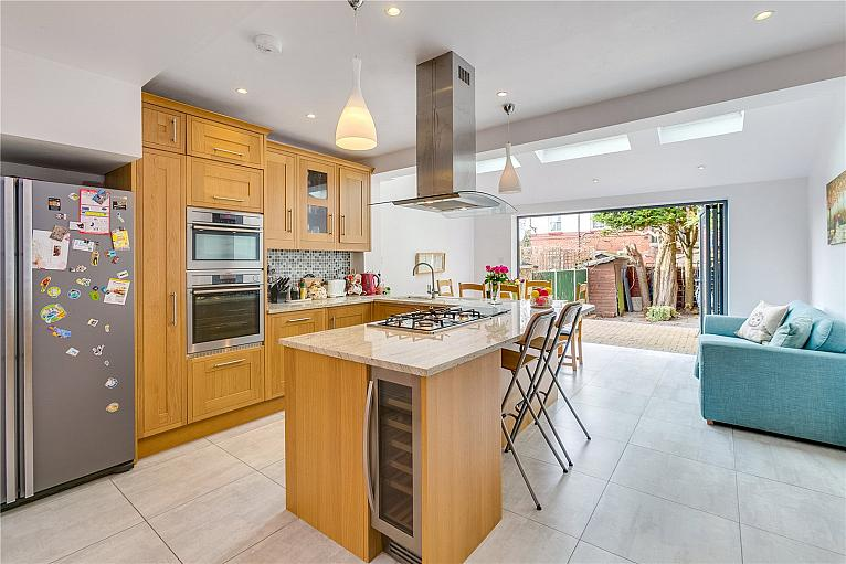 Riverview Grove, Chiswick, W4