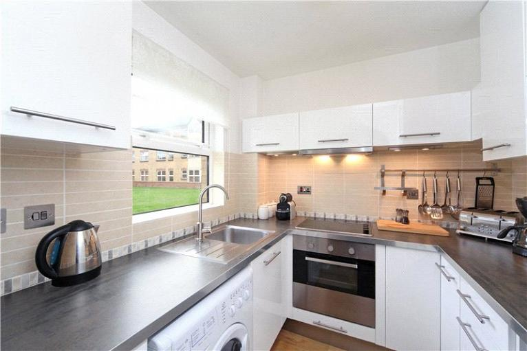 Monmouth Close, Chiswick, W4