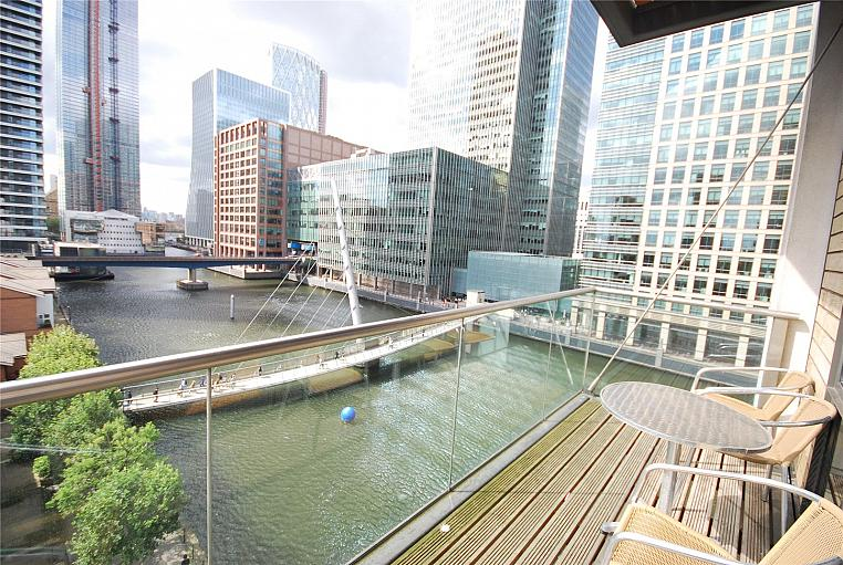 South Quay Square, Canary Wharf, E14
