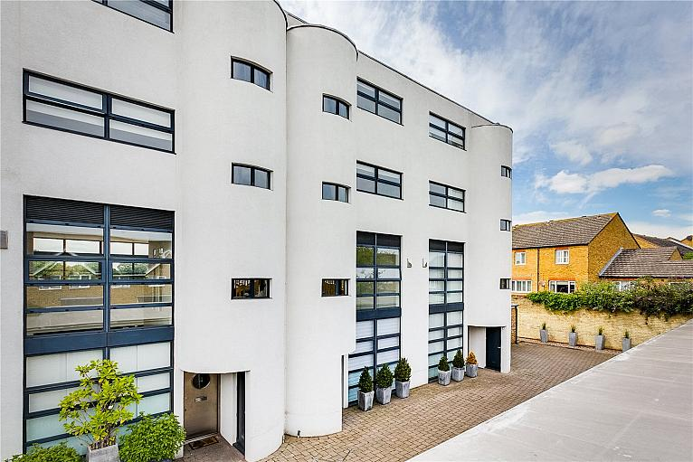 Waters Edge, Palemead Close, SW6