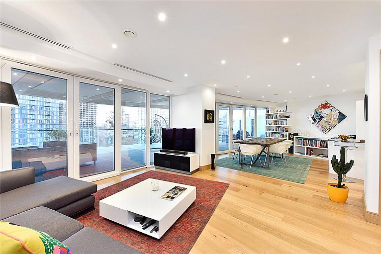 Arena Tower, 25 Crossharbour Plaza, E14