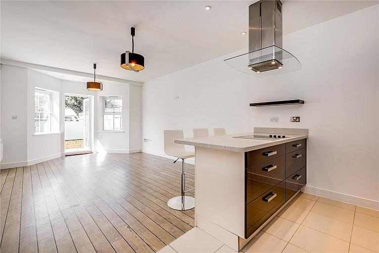 Broomcroft Court, Chiswick, W4