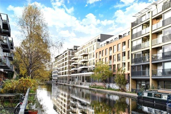 Grand Canal Apartments, 56 De Beauvoir Crescent, N1