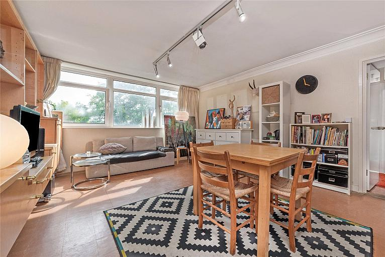 House for sale in Kew with Chestertons