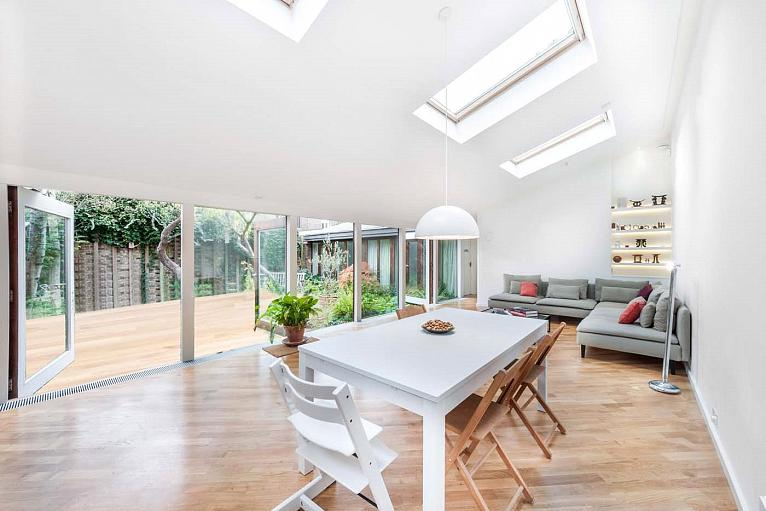 Forest Road, Kew, TW9