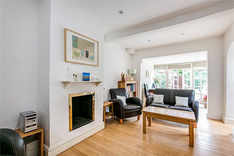 Claxton Grove, Barons Court, W6