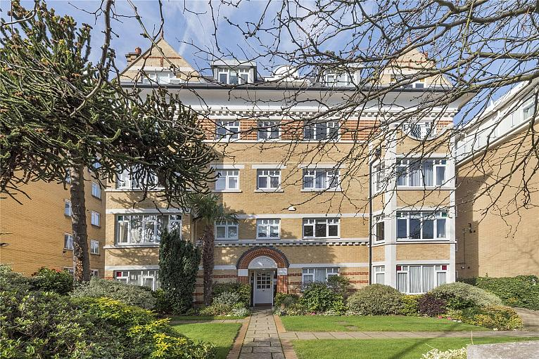 Kemble Hall, 24, SW15