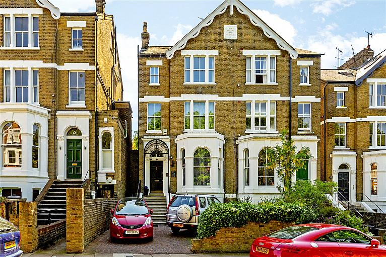 House for sale in TW10 with Chestertons