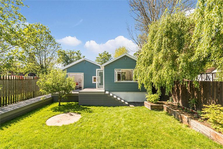 House for sale in TW16 with Chestertons