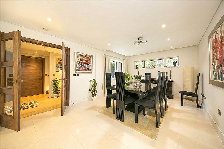 Times Court, Retreat Road, TW9