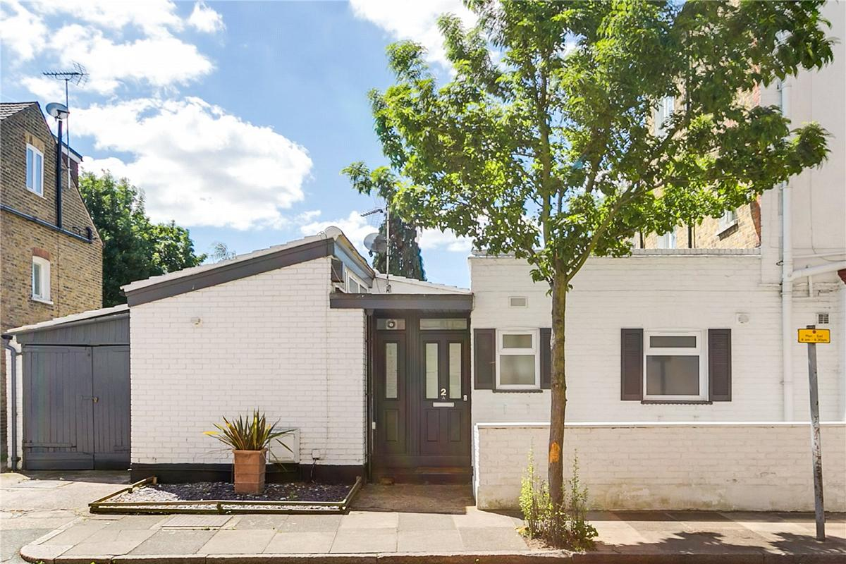 Larches Avenue, East Sheen, SW14