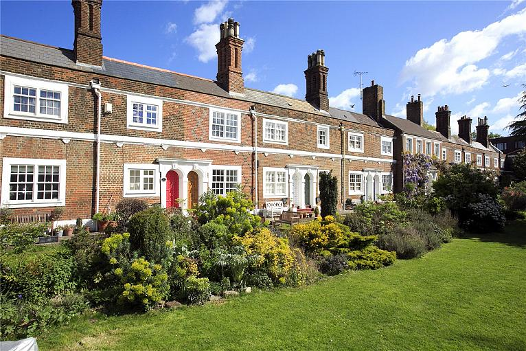 Rosemary Cottages, Rosemary Gardens, SW14