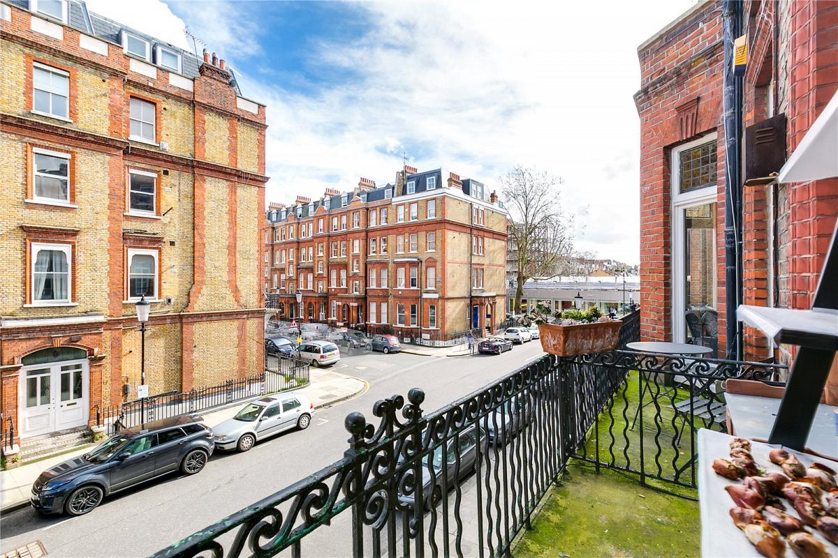 Rosary Gardens, South Kensington, SW7