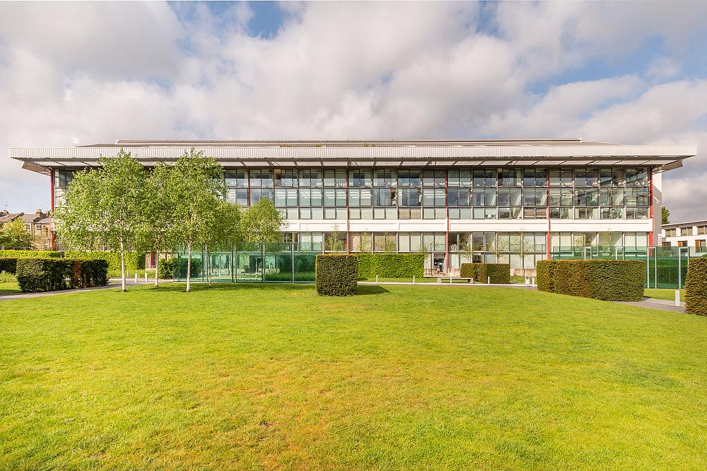 Southstand London 2 Bedroom Flat To Buy In Weststand Apartments Chestertons