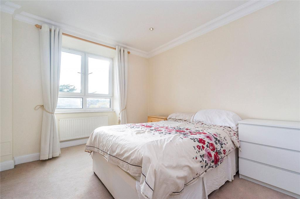 West Putney, London, 4 bedroom flat to rent in Brittany ...