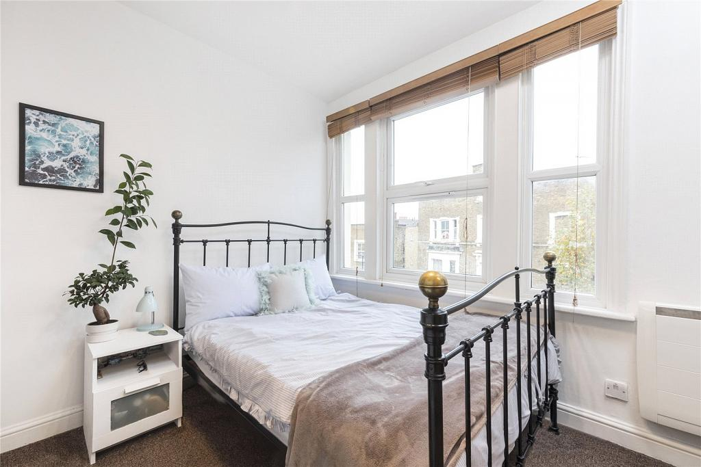 Maida Hill London 2 Bedroom Flat For Sale In Fernhead Road Chestertons
